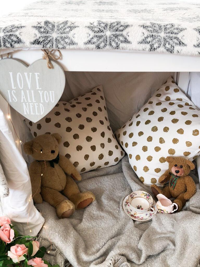 indoor den for kids